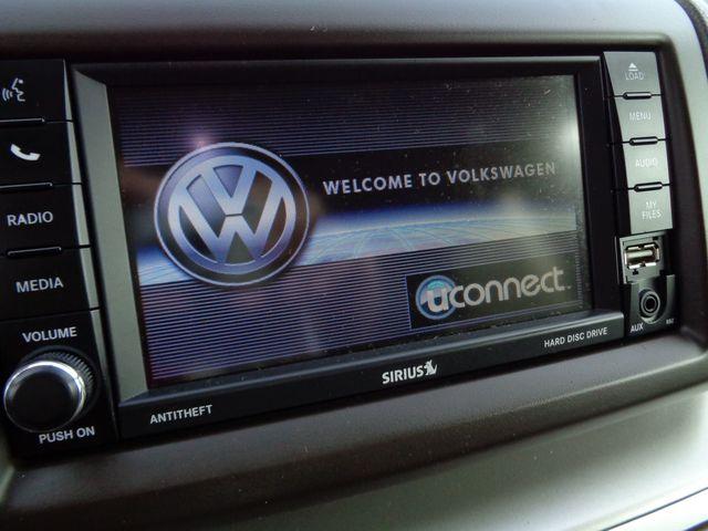 2012 Volkswagen Routan SE w/RSE & Navigation