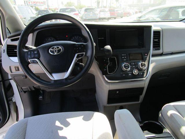 2016 Toyota Sienna LE AAS